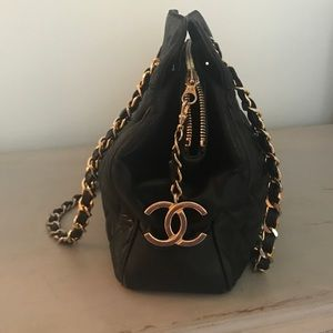 Vintage Chanel quilted bag
